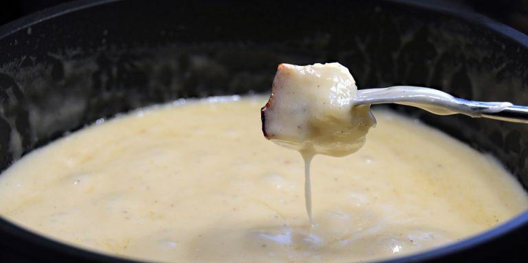 Fondue de queijo Toya delicioso