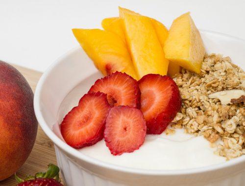 Smoothie de iogurte grego Toya e frutas frescas